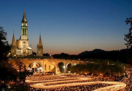 Lichterprozession Lourdes mit Galliker Ballwil AG CarReisen