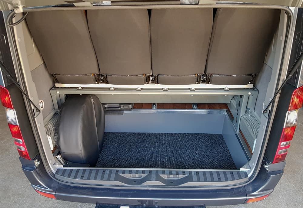 Kofferraum Des Mercedes Sprinters 16-19-Plaetzer Kleinbus - Galliker Ballwil AG - CarReisen
