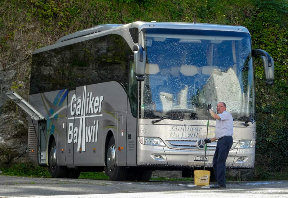 Sauber Unterwegs Mercedes Toursimo 47-Plätzer Galliker Ballwil AG CarReisen