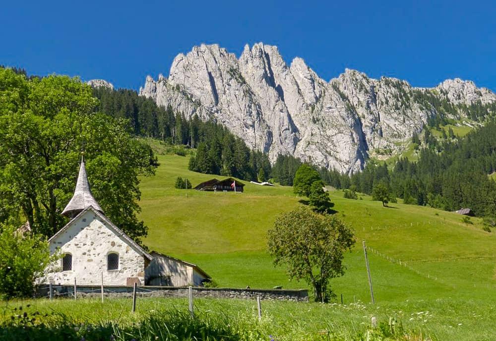 Abländschen Kirche Vor Gastlosen Gebirge