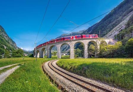BERNINA-EXPRESS: Kreisviadukt Brusio