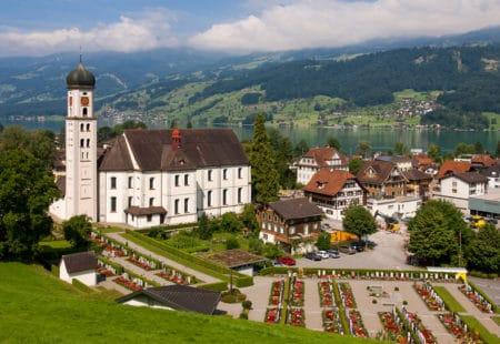 Pfarrkirche Sachseln mit Sarnersee