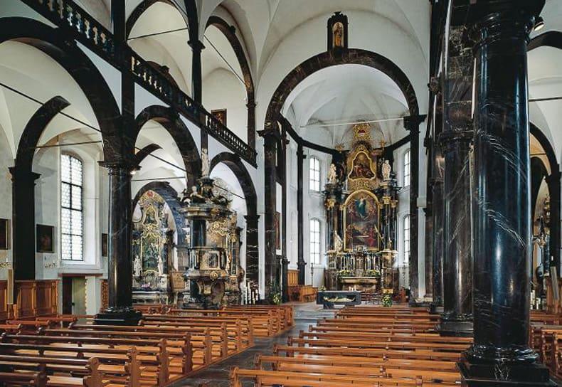 Sachseln Pfarrkirche Innen