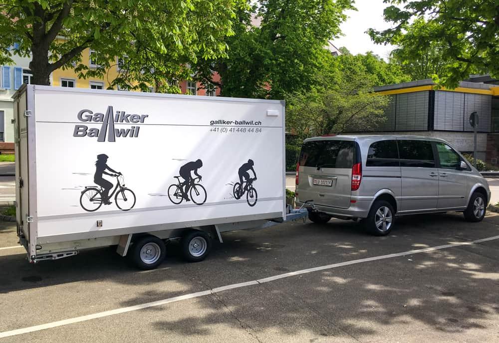 Veloanhänger Klein Mit Mercedes Viano 7-Plätzer - Galliker Ballwil AG CarReisen