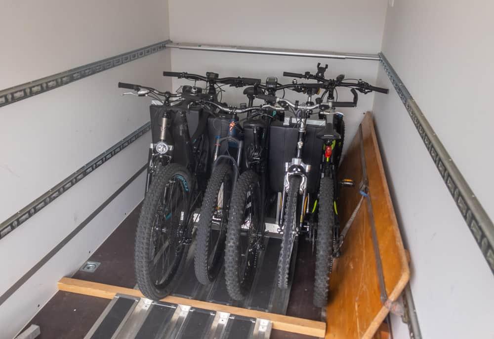 Veloanhänger Klein Mit Bis Zu 14 Fahrradplätzen - Galliker Ballwil AG CarReisen